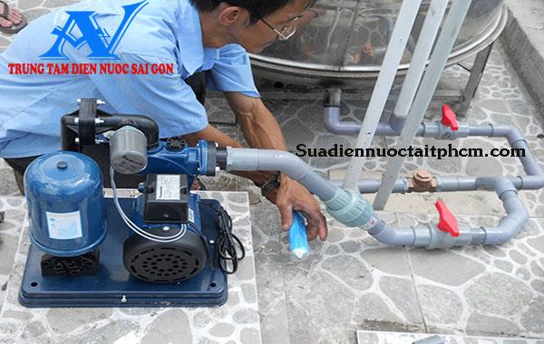 Lắp máy bơm nước tăng áp