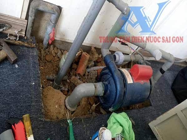 Lắp ống nước máy bơm