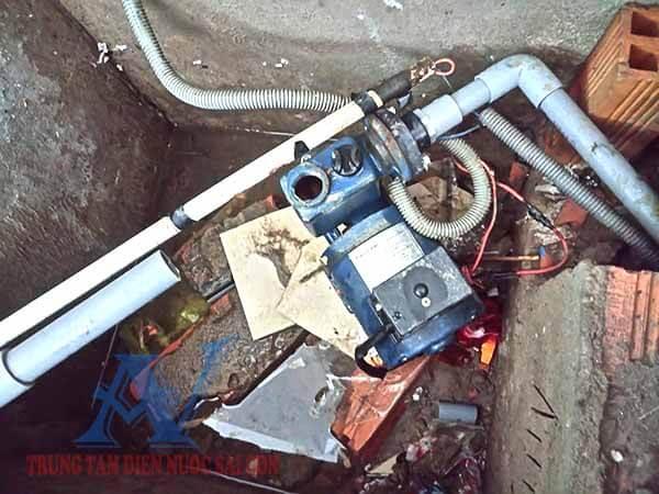 Sửa chữa máy bơm nước tăng áp