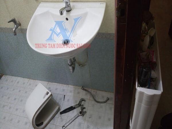 Sửa lavabo bị tắc ống nước