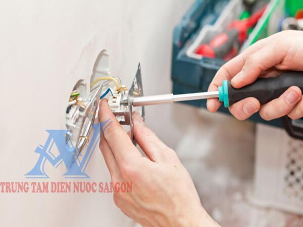 Thợ sửa điện TPHCM